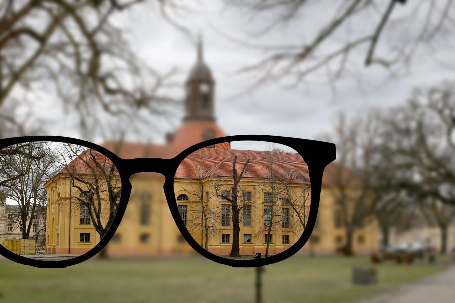 Mit einer Brille schärfer sehen