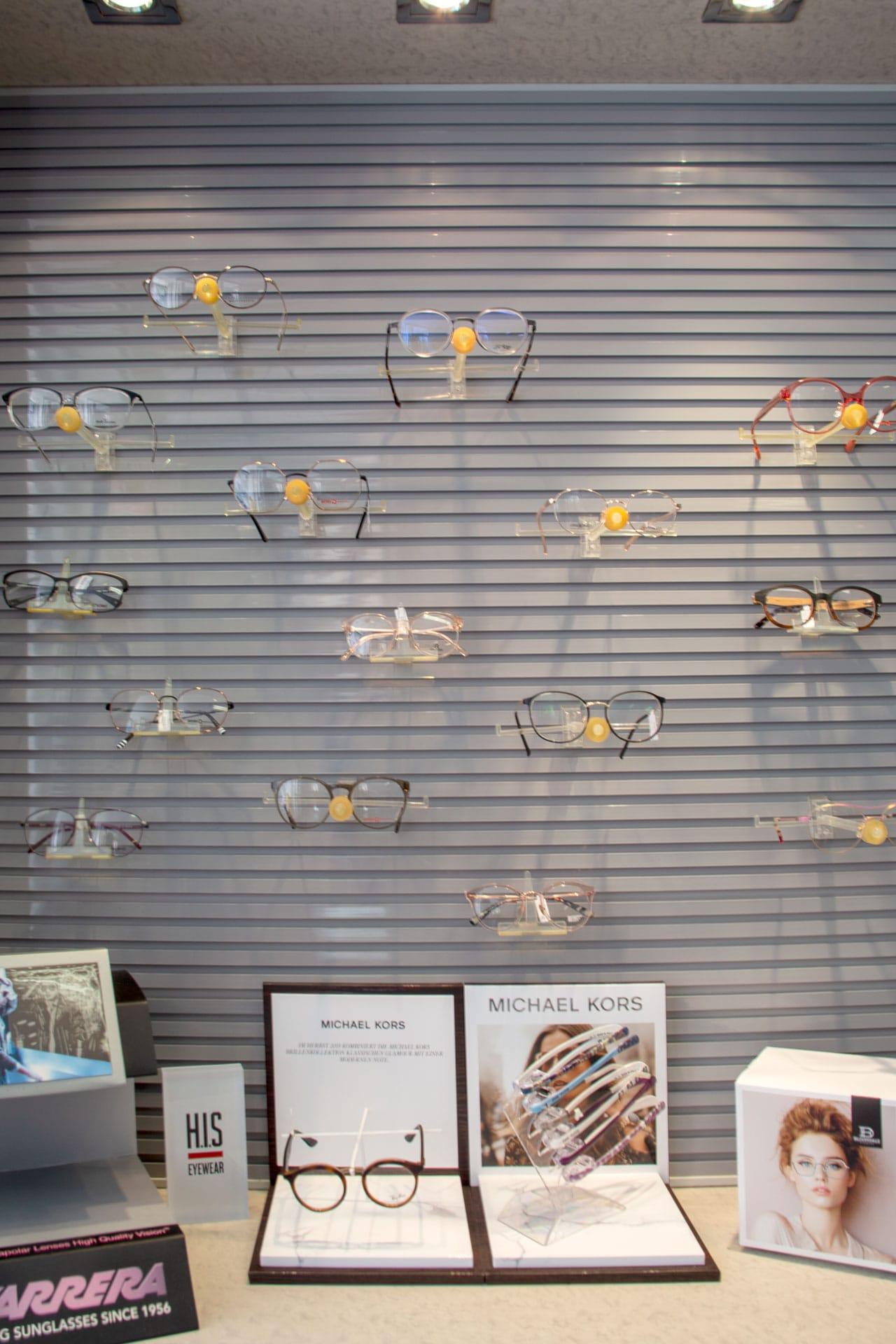 Auswahl Brillen für Damen, Herren und Diverse